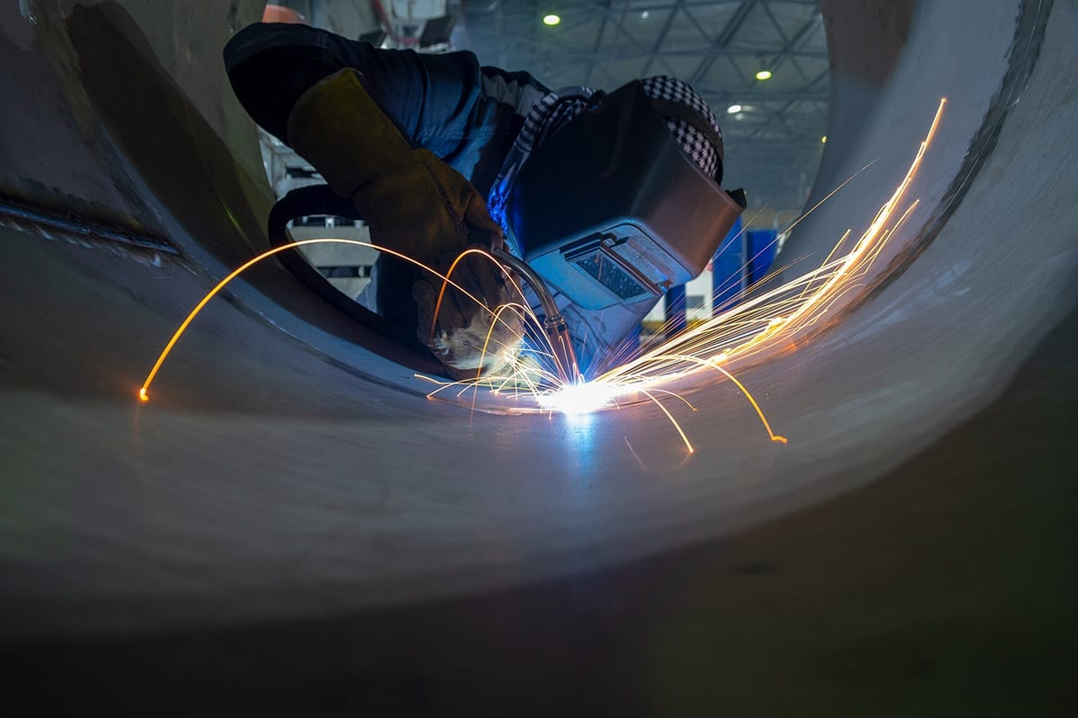 Fabrication welding in a cylinder
